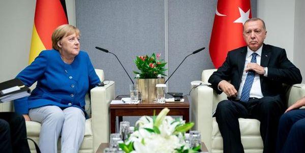 گفتوگوی اردوغان و مرکل درباره بحران پناهجویان