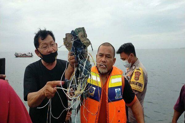 جزییات سقوط هواپیمای مسافربری در شمال جاکارتا