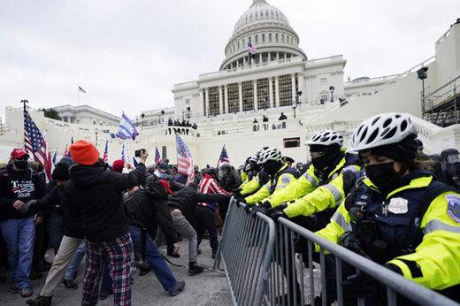 حکم حبس برای شناگر آمریکایی در حمله به کنگره/عکس