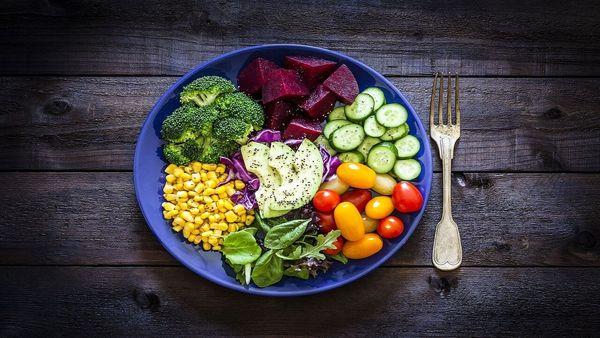 در این ساعتها غذا بخورید تا لاغر شوید