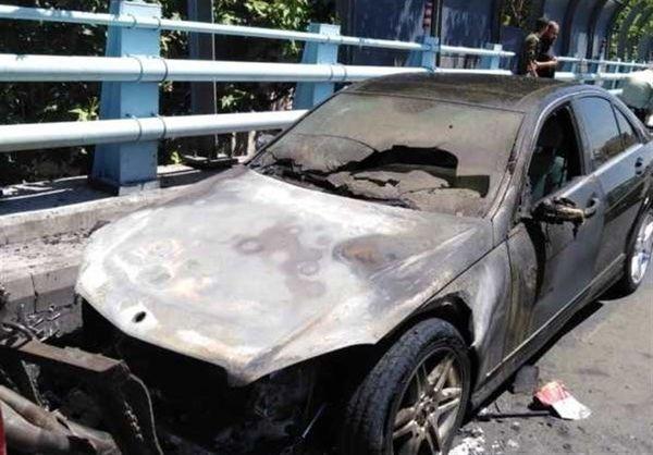 تصاویری از آتش سوزی سواری بنز روی پل ارتش