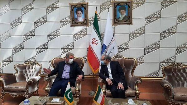 وزیر خارجه پاکستان وارد تهران شد+ عکس
