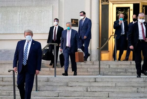 سی ان ان: حامیان ترامپ در کاخ سفید درحال ترک او هستند
