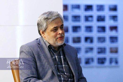 کنایه مهاجری به برگزاری همایش چند هزار نفره در مشهد