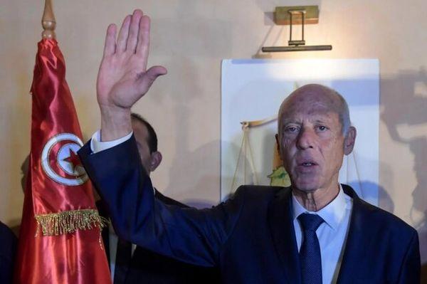 رئیسجمهور تونس پارلمان را تعلیق کرد