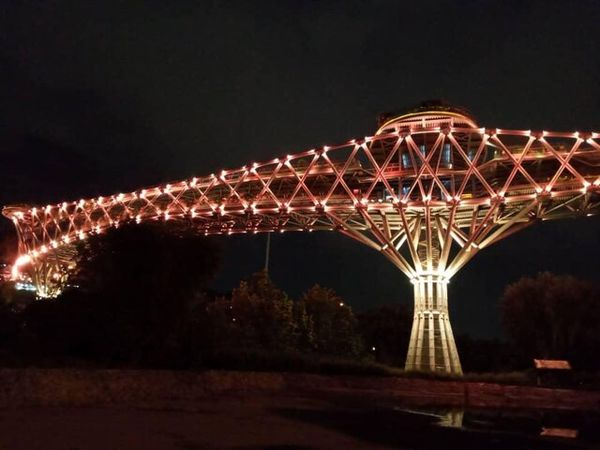 پل طبیعت تهران نارنجی میشود