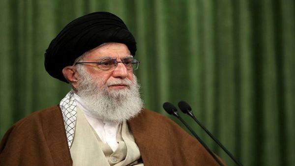 رهبر انقلاب: کل منطقه اسلامی میدان سربرافراشتن مقاومت در مقابل شرارتهای آمریکاست