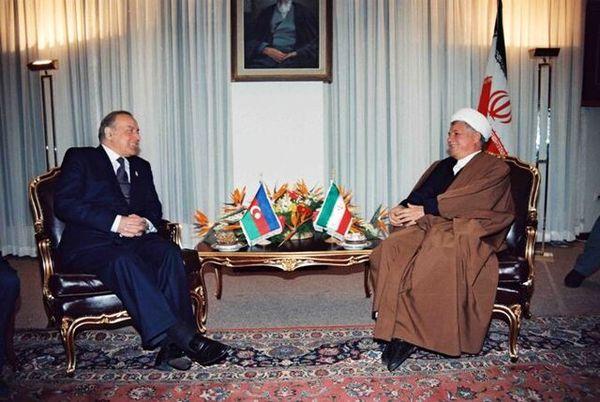 پاسخ آیت الله هاشمی به پیشنهاد الحاق آذربایجان به ایران چه بود؟