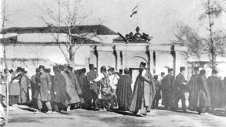 مواجهه مجلس شورای ملی و ساختار کهن قدرت
