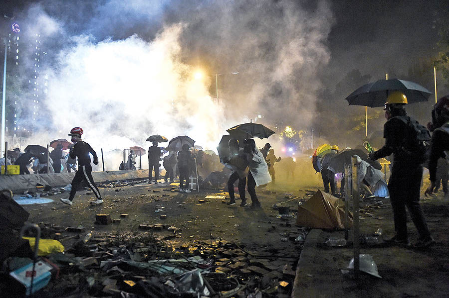 6 ماه تکاندهنده در هنگکنگ