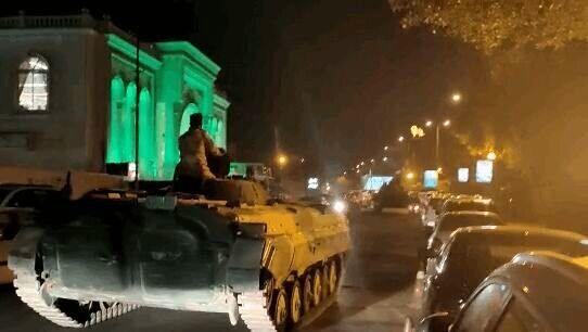 استقرار زرهپوشها و تانکهای ارتش در خیابانهای بغداد