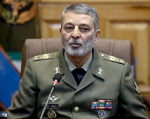 فرمانده کل ارتش درگذشت خلبان محققی را تسلیت گفت