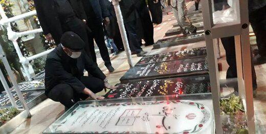 فاتحه خوانی سردار قاآنی بر سر مزار سپهبد شهید سلیمانی+ تصاویر