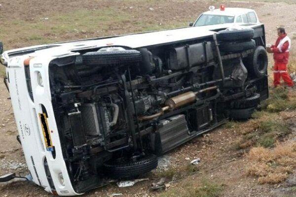 واژگونی مینی بوس در کردکوی حادثه آفرید