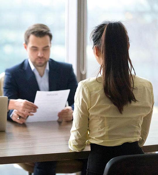چطور بر استرس مصاحبه غلبه کنم؟