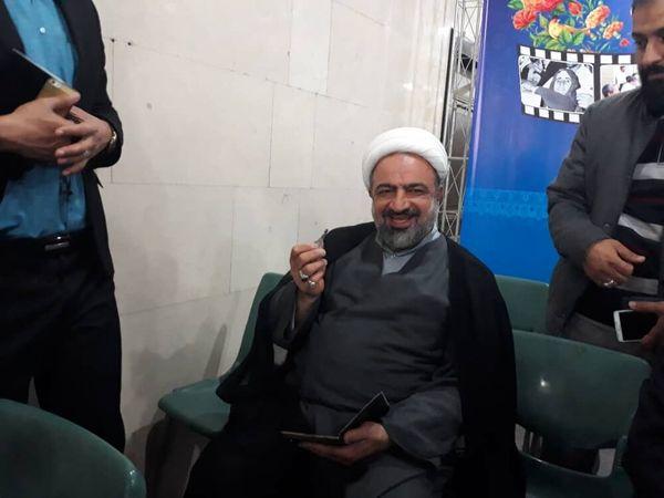 مجری CNN قبل از مصاحبه با احمدی نژاد دچار لرزش شد و بر روی وی پتو انداختند /بازخوانی ادعاهای عجیب عضو جبهه پایداری