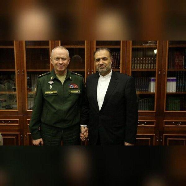 رایزنی سفیر ایران و وزیر دفاع روسیه در زمینههای دفاعی و نظامی
