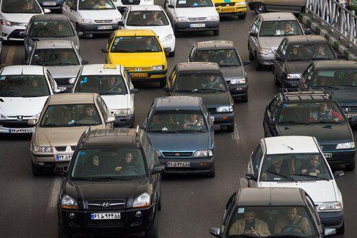 تاثیر ریزش نرخ ارز بر بازار خودرو