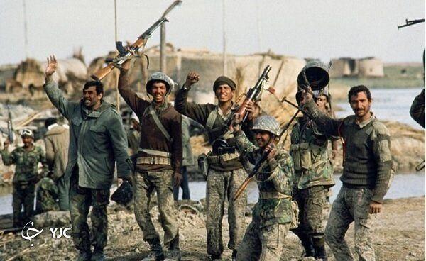 این فرمانده ارتش ضربه کاری به دشمن زد /سفر با ناوچه پیکان از پاریس تا خلیج فارس +تصاویر