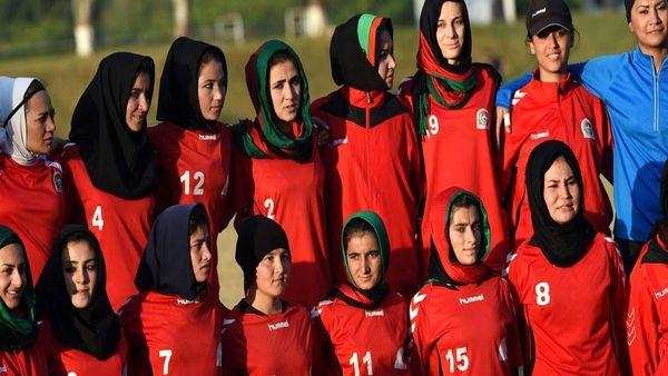 چه بر سر تیم ملی فوتبال زنان افغانستان آمد؟