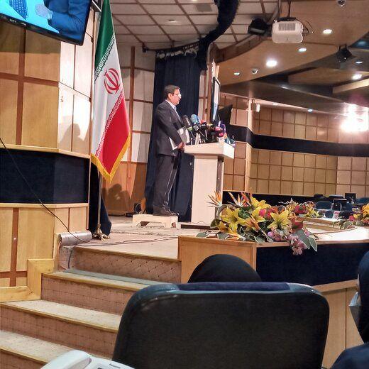 کاندیدای اقتصاددان به نفع لاریجانی کنار می رود؟