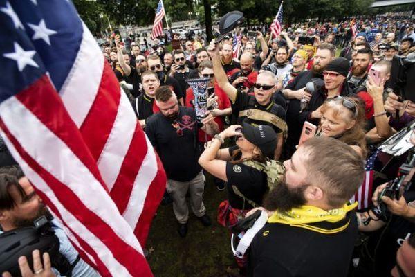 درگیری شدید حامیان و مخالفان ترامپ در پورتلند
