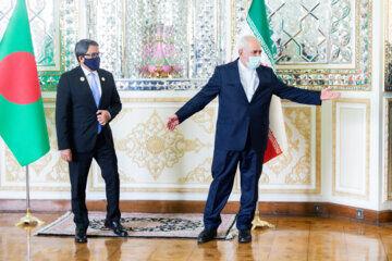 ظریف خواستار تداوم همکاری ایران و بنگلادش شد