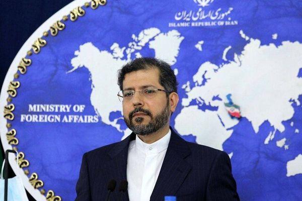 واکنش وزارت خارجه به آتش زدن دیوار کنسولگری ایران در کربلا