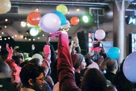 بازداشت ۱۵ دختر و پسر در یک مهمانی شبانه
