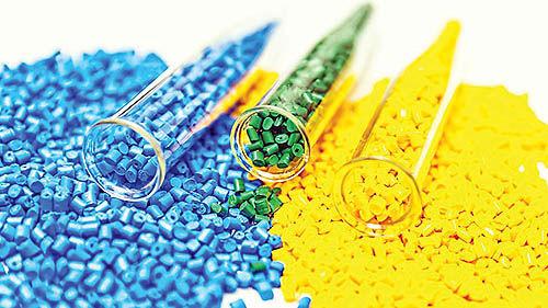 کاهش قیمتهای پایه  محصولات پتروشیمیایی