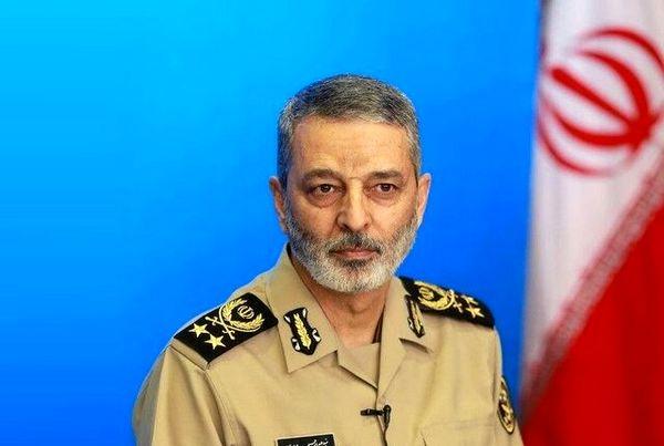 پیام تبریک فرمانده کل ارتش به مناسبت روز نیروی انتظامی