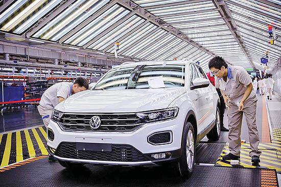 ادامه نگرانی خودروسازان از کرونا