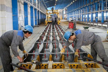 انتقاد ها به وضعیت کارگران شاغل در مناطق آزاد/ محرومیت از حداقلها