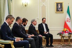 تقدیم استوارنامه سفیر جدید فرانسه به رییسجمهوری