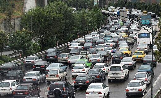 ترافیک سنگین/ ورودیهای تهران قفل شد