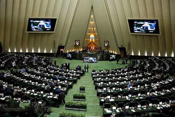 فرهنگی در مخالفت با وزیر پیشنهادی صمت: موافقان رزم حسینی از نام شهید سردار سلیمانی استفاده نکنند