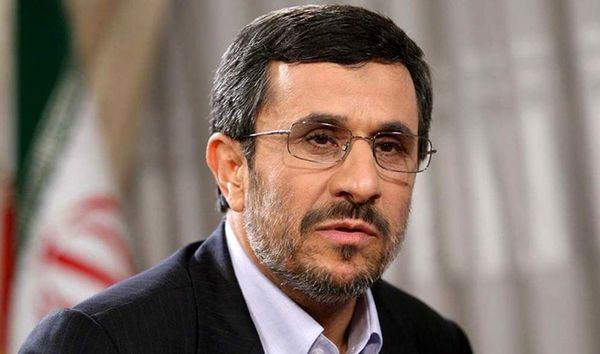 ادعای جنجالی درباره محمود احمدی نژاد/ او واکسن آمریکایی کرونا تزریق کرده است!