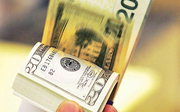 خواست سفتهبازان دلار چیست؟