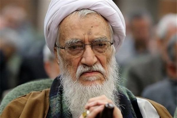 آیتالله موحدی کرمانی: بعید نیست آمریکایی ها با واکسن جعلی کرونا مردم ایران را بکشند