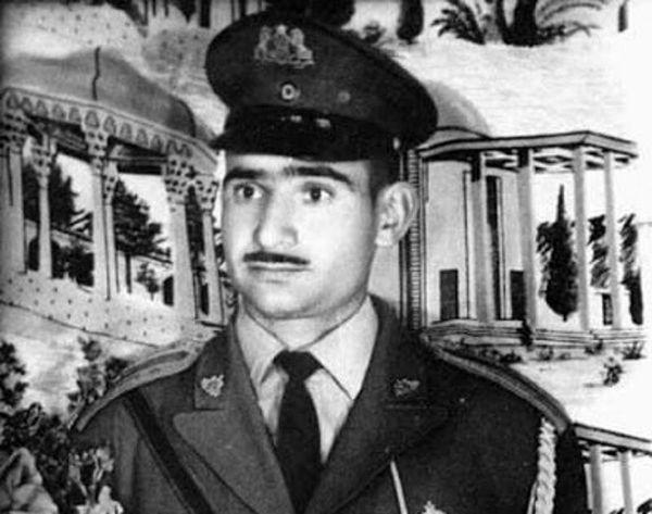 ماجرای ترور نافرجام محمدرضا پهلوی/ یکی از افراد گارد سلطنتی شاه را به رگبار مسلسل بست