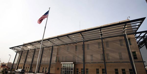 هشدار تحلیلگر عراقی درباره پرتابههای آلوده به رادیواکتیو سفارت آمریکا در بغداد