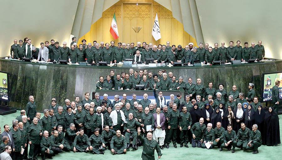 دفاع همه جناحها از سپاه
