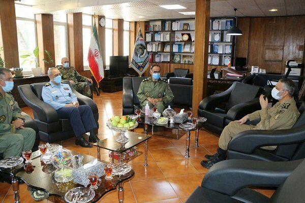 بازدید فرمانده کل ارتش از مرکز آموزش نیروی هوایی