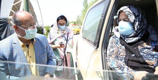 افتتاح مرکز واکسیناسیون خودرویی کرونای بوستان ولایت در تهران+عکس