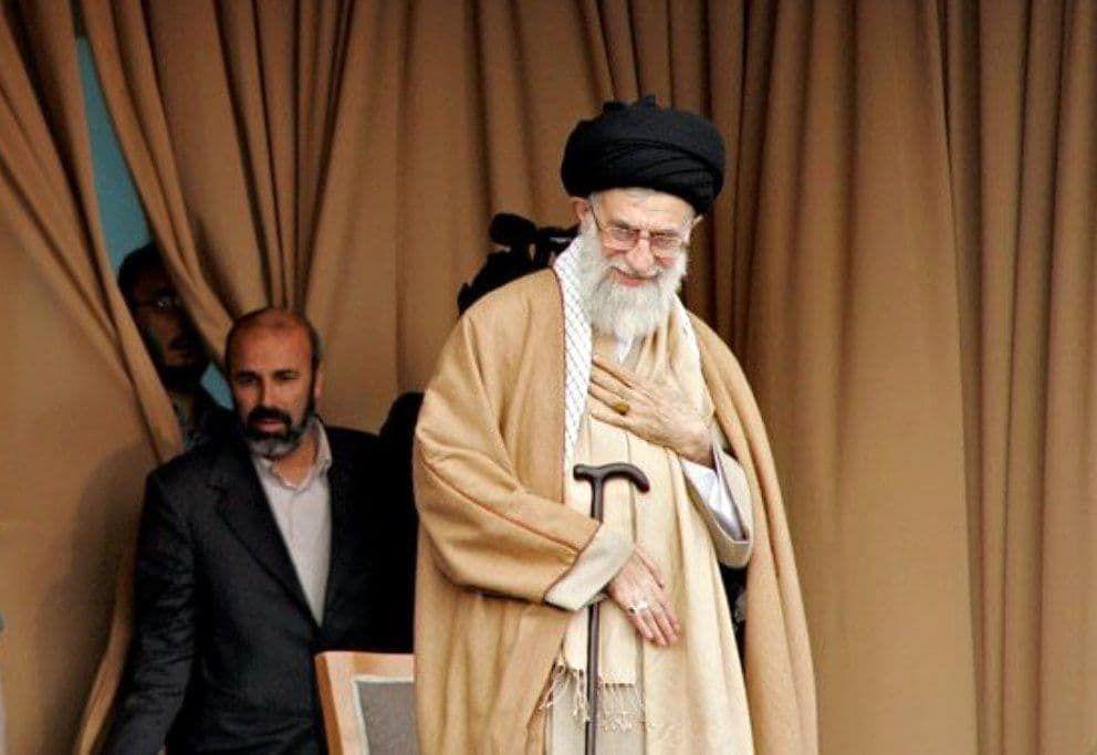 سردار فلاح زاده در کنار رهبر معظم انقلاب در سال ۱۳۸۶ + عکس