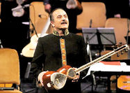 اجرای کیوان ساکت در ارکستر سازهای ملی سن پترزبورگ