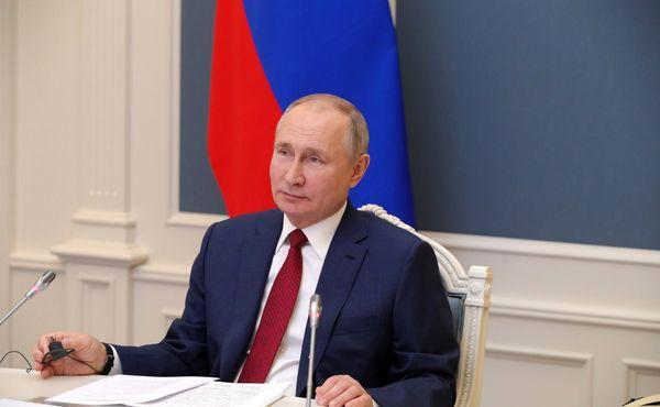 شرکت پوتین در مراسم افتتاح مسجد مسلمانان کریمه