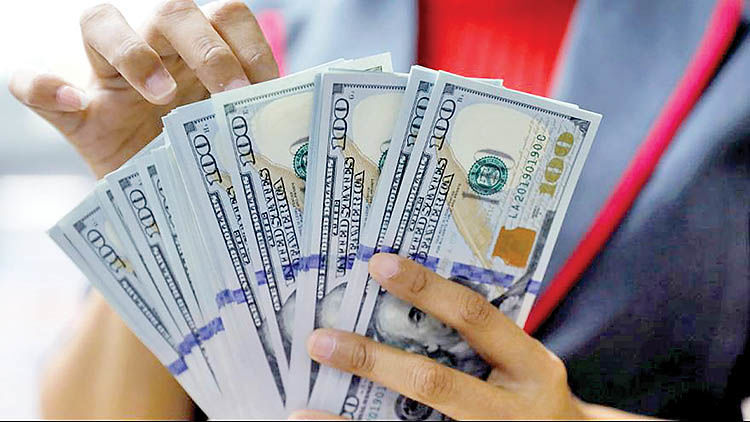 بیتوجهی دلار به اخبار سیاسی