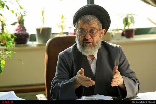 اکرمی: درباره بایدن زود اظهار نکنیم/ به تنهایی نمیتوان مشکلات کشور را حل کرد