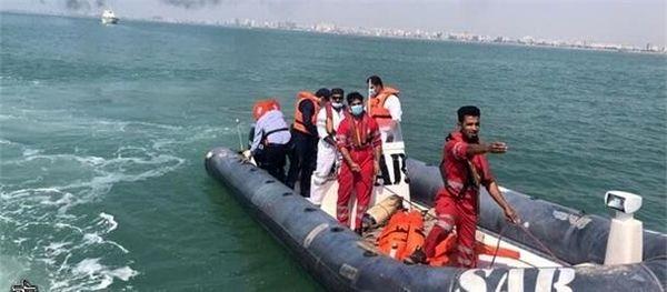 نجات جان ۸ صیاد در آبهای قشم توسط نیروی دریایی سپاه